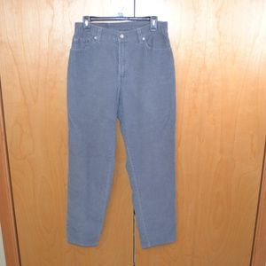 Levis Women 550 gray corduroy size 8 relaxed fit